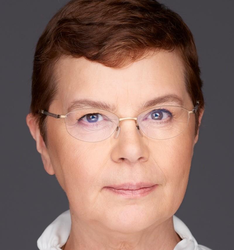 Dr Annegret Junker